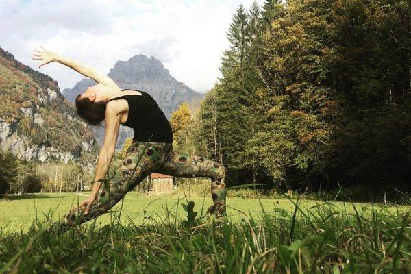 OFFICIEL | Le Yoga par Julie BARNES by la Croix de Savoie arrive dans votre hôtel **** SPA
