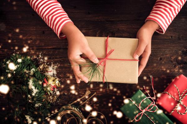 Pour des fêtes féérique avec des cadeaux solidaires au pied du sapin | Cadeau et coffret cadeau originaux en Haute-Savoie