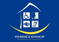 """Depuis le mois de mai 2015, votre hôtel & restaurant La Croix de Savoie cherche à obtenir le label """"Tourisme & Handicap"""" afin de vous garantir les conditions d'accueil de haut niveau."""
